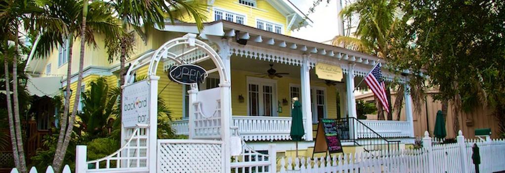 Palm Beach Hibiscus Bed & Breakfast - West Palm Beach - Building