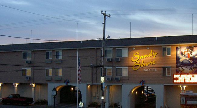 Sandy Shore Motel - Westerly - Building