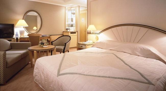 Imabari Kokusai Hotel - Imabari - Bedroom