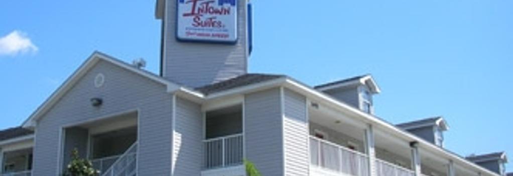 Intown Suites San Antonio West - San Antonio - Building