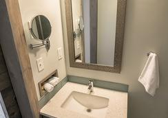 816 Hotel Kcexperience - Kansas City - Bathroom