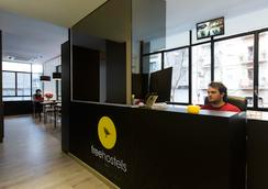 Free Hostels Barcelona - Barcelona - Lobby