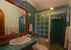 Riviera Maya Suites - Playa del Carmen - Bathroom