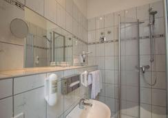 Hotel Tiergarten Berlin - Berlin - Bathroom