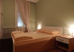 Hostel Lux Skadarlija - Belgrade - Bedroom