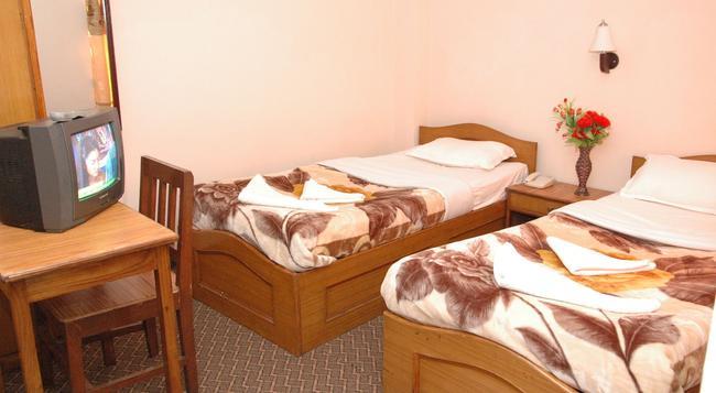 Festoon Hotel - Kathmandu - Bedroom