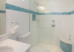Villas Of The Galleon - George Town - Bathroom