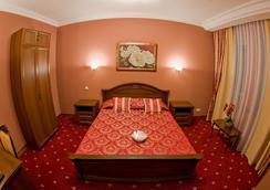 Polaris - Surgut (Khanty-Mansiyskiy) - Bedroom