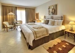 Marina Hotel Corinthia Beach Resort - St. Julian's - Bedroom