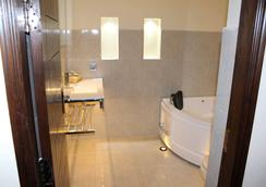 Grand Enclave - Lahore - Bathroom