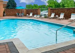 Courtyard by Marriott Niagara Falls - Niagara Falls - Pool