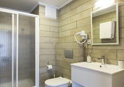 MB City Hotel - Izmir - Bathroom