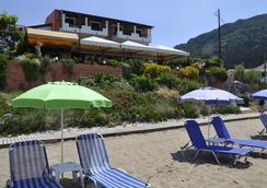 Pension Dandidis - Corfu - Outdoor view