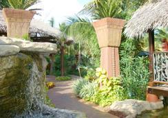 Marley Resort & Spa - Nassau - Outdoor view