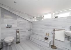 Mansion by Cheers - Istanbul - Bathroom