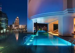 Millennium Hilton Bangkok - Bangkok - Pool