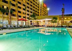 Bakersfield Marriott at the Convention Center - Bakersfield - Pool