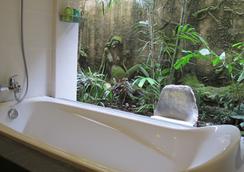 Taman Harum Cottages - Ubud - Bathroom