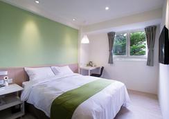 Green Hotel-Fengjia - Taichung - Bedroom