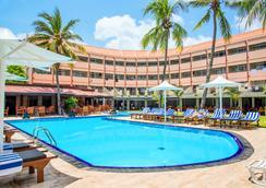Paradise Beach Hotel - Negombo - Pool