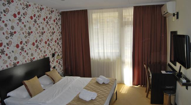 Hotel Novi Sad - Novi Sad - Bedroom