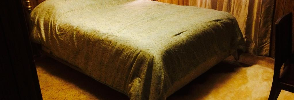 Juneau Guesthouse - Juneau - Bedroom