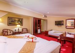 Planeta Inn Hotel - Novi Sad - Bedroom