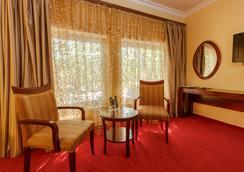 Planeta Inn Hotel - Novi Sad - Living room