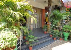 Sunshine Hotel & Hall - Trincomalee - Outdoor view