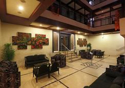 World choice Nandan Premier Hotel - Guwahati - Lobby