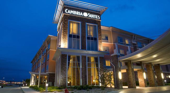 Cambria hotel & suites - Rapid City - Building