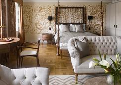 Adria Boutique Hotel - London - Bedroom