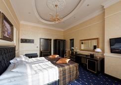 Villa le Premier - Odessa - Bedroom