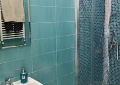Top Floor - Naples - Bathroom