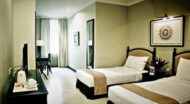 Puri Denpasar Hotel - South Jakarta - Bedroom