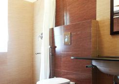 Oriole Resorts - Mysore - Bathroom