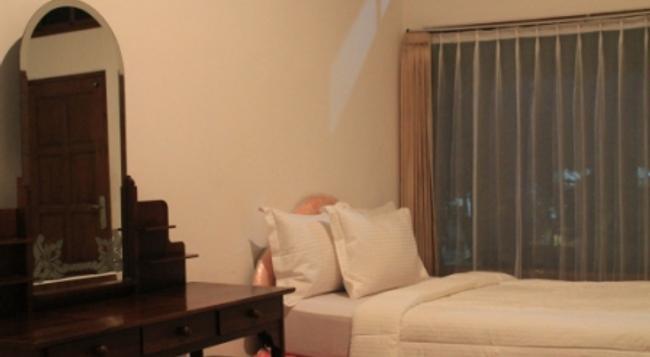 Hotel Ratu - Denpasar - Bedroom