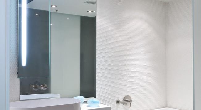 Templar Hotel - Toronto - Bedroom