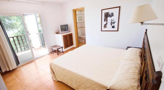Hotel Club Can Jordi - Santa Eularia des Riu - Bedroom