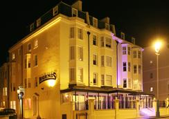 Legends Hotel - Brighton - Outdoor view