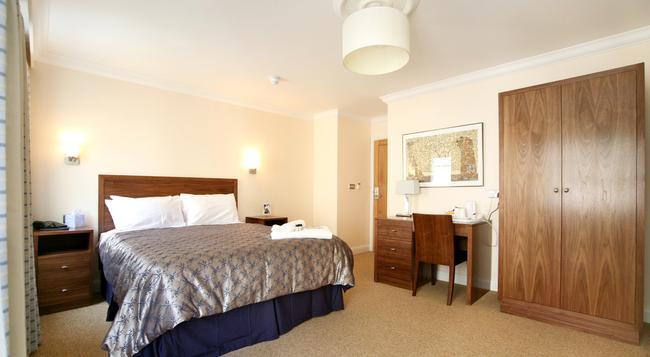 Legends Hotel - Brighton - Bedroom