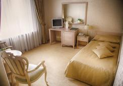 Hermitage Hotel - Rostov on Don - Bedroom