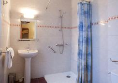 Hotel Neptune - Paris - Bathroom
