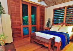 The Resort at Palmetto Bay - Coxen Hole - Bedroom