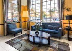 Ramada Costa Mesa/Newport Beach - Costa Mesa - Lobby