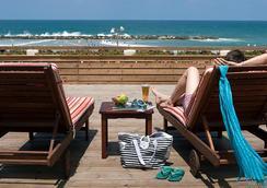 Renaissance Tel Aviv Hotel - Tel Aviv - Beach