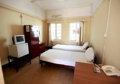 New Palm Tree Hotel - Mombasa - Bedroom