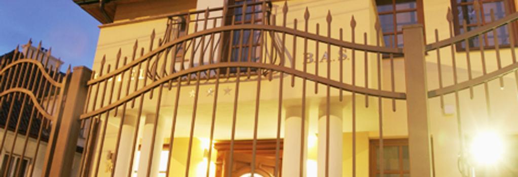 Hotel B.A.S Villa Residence - Krakow - Building