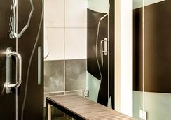Posh South Beach Hostel, A South Beach Group Hotel - Miami Beach - Bathroom