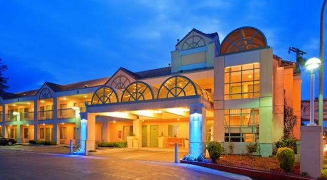Atherton Park Inn and Suites - Redwood City - Building